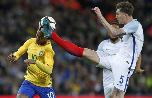 Hàng công im tiếng, Brazil chịu hòa Anh