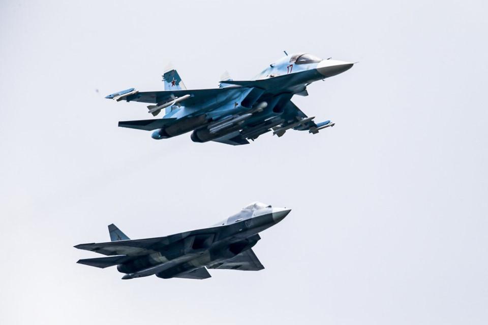 Tiêm kích tàng hình Su-57 của Nga có thể qua mặt F-22 của Mỹ