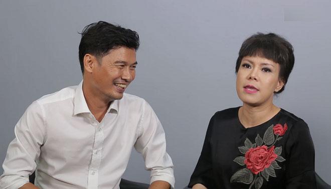 Việt Hương: Dọn nhà cho thầy Minh Nhí, thấy một rổ vàng, mỗi đứa một thỏi lấy ra chơi