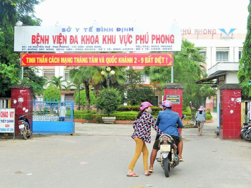 Bình Định: Bị tố tuyển hàng loạt người nhà, Giám đốc bệnh viện nói gì?