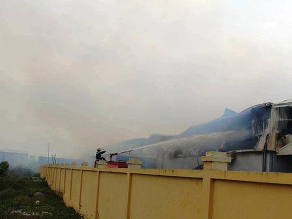 Thái Bình: Cháy lớn tại Công ty Bông Thái Bình