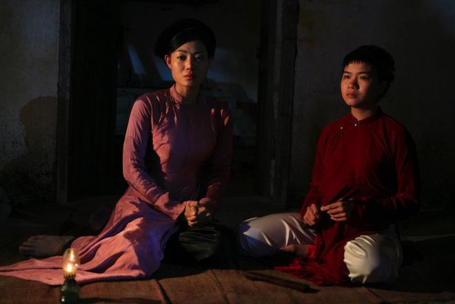 Phim Việt mặc áo yếm không nội y gây tranh cãi: Diễn viên tiết lộ hậu trường thiếu thốn