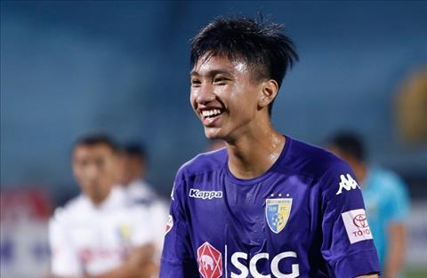 Đoàn Văn Hậu được thưởng nóng sau bàn thắng đầu tiên ở V-League