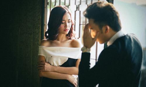Dù không đòi ly hôn nhưng 5 dấu hiệu này chứng tỏ chồng đã hết yêu bạn