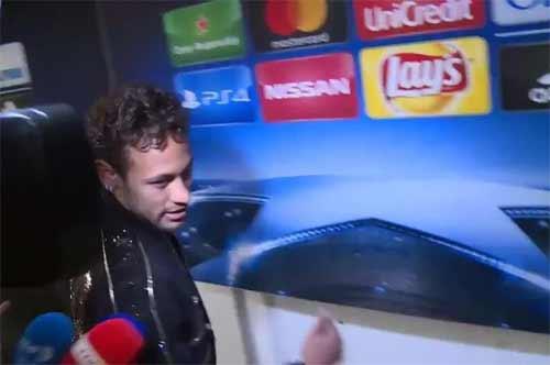 Neymar văng tục khi được hỏi về chuyện gia nhập Real