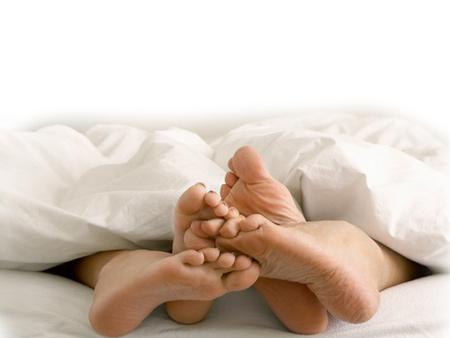 Những điều phụ nữ làm trên giường khiến cảm hứng của chồng đứt phựt