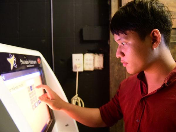 Bitcoin bùng nổ, chuẩn bị vượt 10.000 USD?