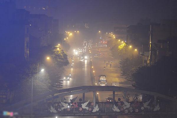 Khói mù bao phủ Hà Nội