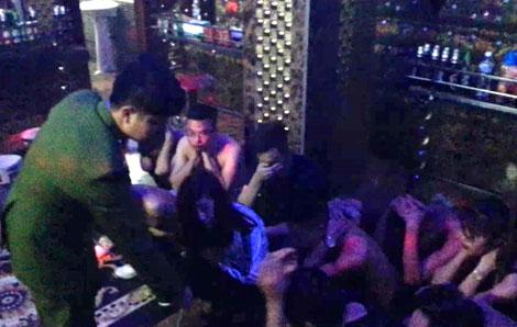 Lợi nhuận khủng của động lắc núp bóng karaoke