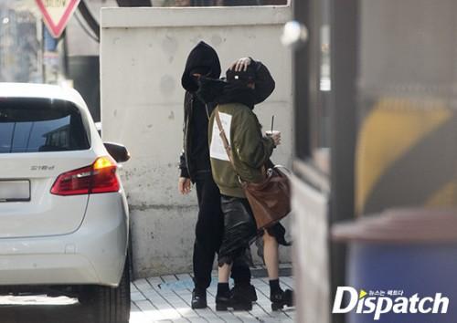 Sau G-Dragon và Lee Joo Yeon, thêm một cặp đôi 2018 bị Dispatch đưa ra ánh sáng