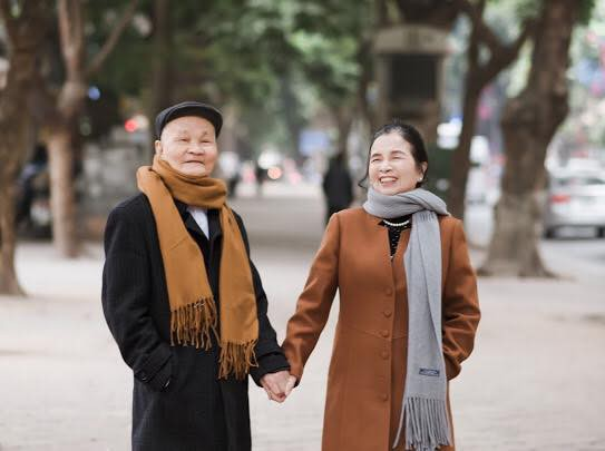 Mối tình ông bà anh 50 năm bên nhau không rời và độc chiêu cưa đổ người đẹp của ông ngoại