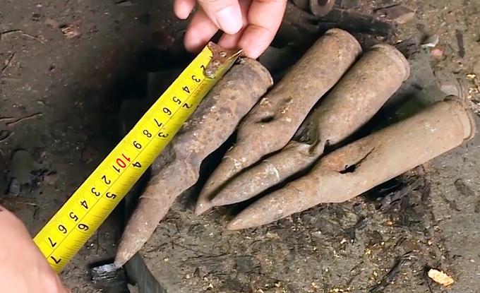 Kho đạn mới phát hiện ở làng Quan Độ chứa những gì?