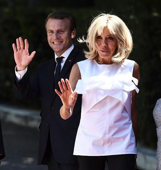 Phu nhân Tổng thống Pháp bị mỉa mai cư xử như bà hoàng khi nhất quyết không chịu làm việc này