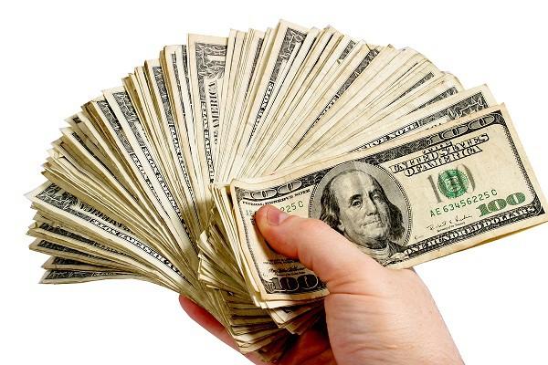 Có những người trong mắt chỉ có ba chữ: Tiền, tiền, tiền!
