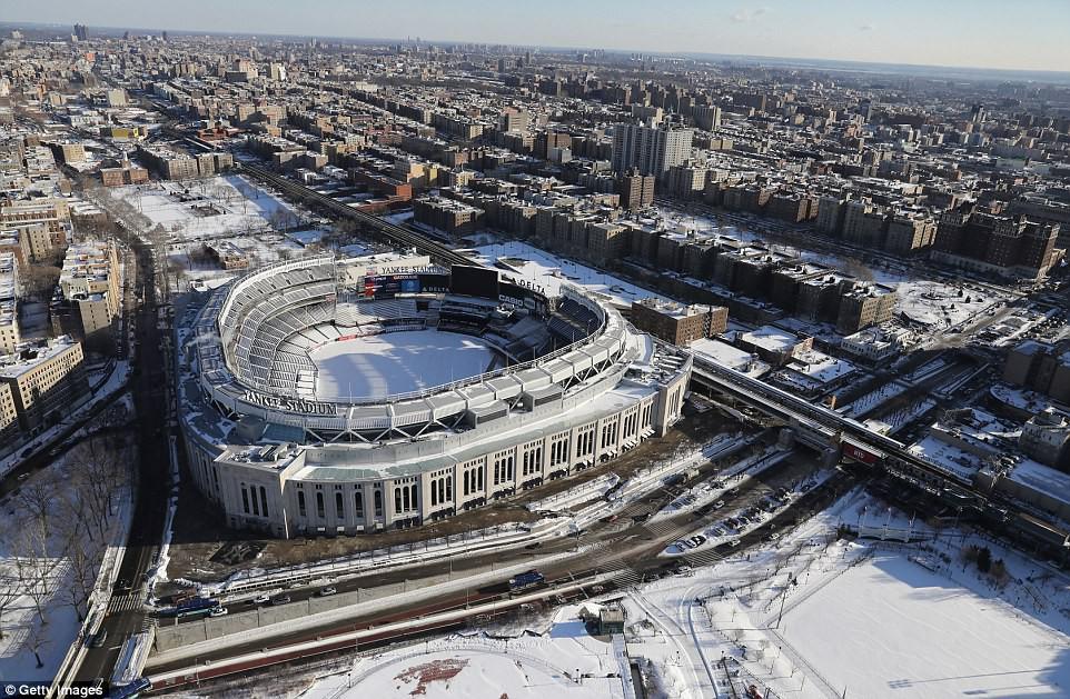 Sau trận bão tuyết kinh hoàng, thành phố New York hoang tàn, ảm đạm như trong phim Ngày Tận Thế
