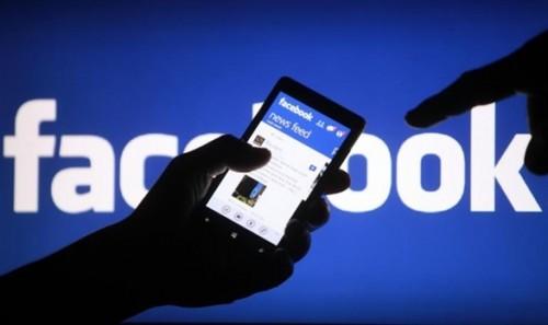 Con gái nghiện facebook, bố mẹ phải đánh thuốc mê đưa đến viện tâm thần