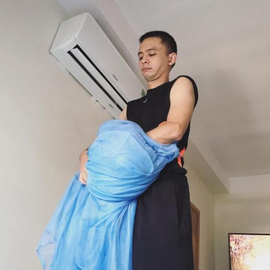 Văn Anh được mệnh danh là ông bố soái ca với cách chăm sóc vợ bầu như thế này!