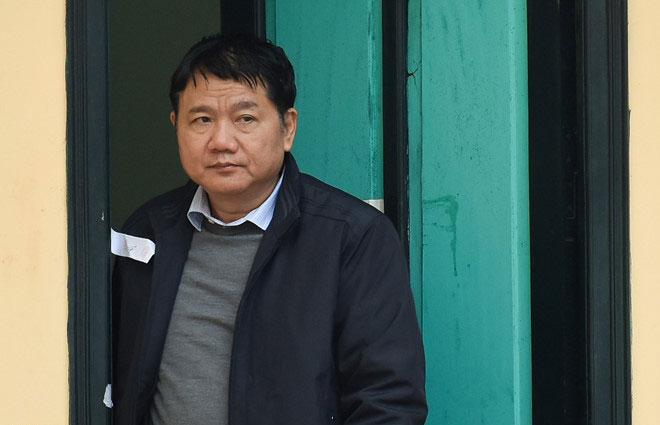 Bị cáo Đinh La Thăng từ chối trả lời luật sư vì lý do sức khỏe