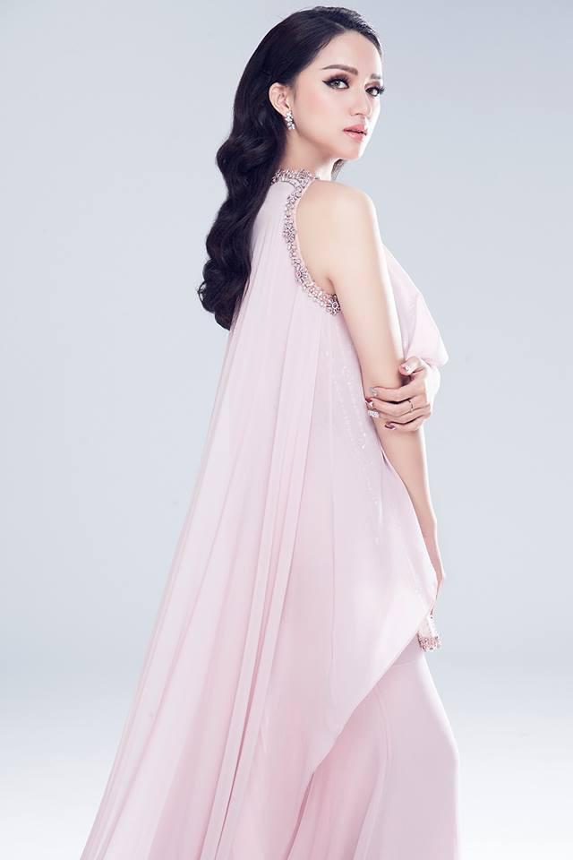 Cùng 1 chiếc đầm: Võ Hoàng Yến và Hương Giang chọn cách mặc kín đáo hơn hẳn Giáng My