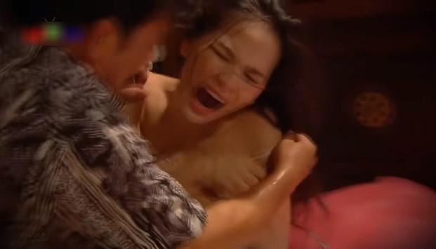 Hot girl đóng cảnh nóng hài Tết: Gia đình không ủng hộ, cát-xê bèo bọt