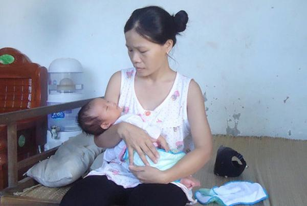 Tai nạn khủng khiếp khi đẻ mổ: Bác sĩ cắt trúng bàng quang sản phụ, rạch vào má thai nhi