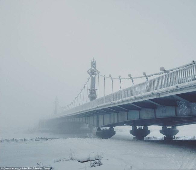 Những hình ảnh về cuộc sống kì lạ ở ngôi làng lạnh dưới - 62 độ C