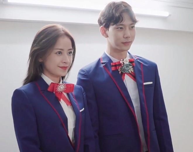Chi Pu bị bắt gặp hẹn hò cùng bạn trai tin đồn người Hàn Quốc Jin Ju Hyung