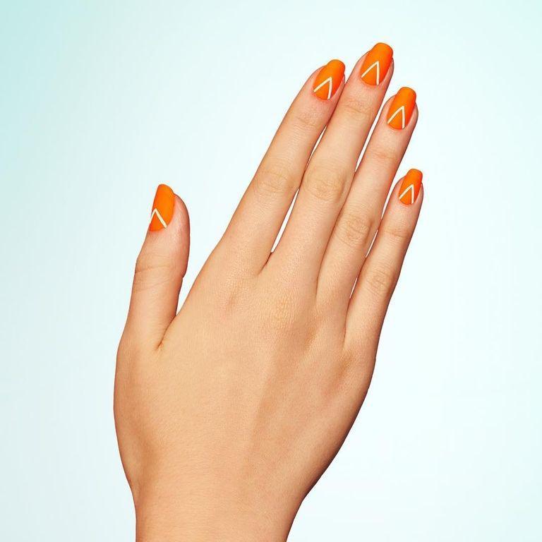Top 3 mẫu nail xinh nhất cho tết này nếu các nàng đã chán màu đỏ!