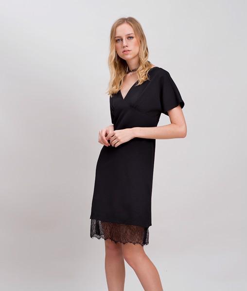 Cứu nguy cho bụng béo ục ịch bằng 8 kiểu váy công sở cực tôn dáng