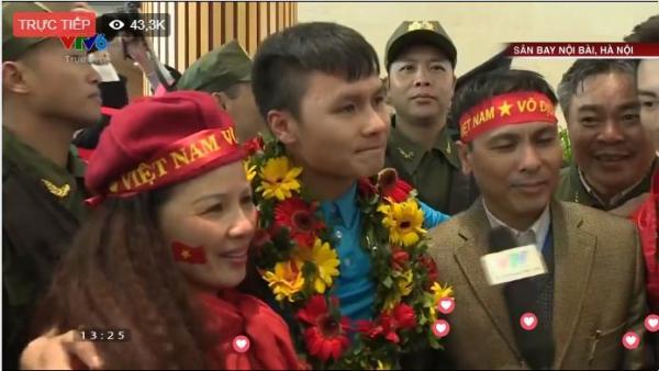 Tình yêu của cầu thủ U23 Việt Nam dành cho cha mẹ khiến cộng đồng mạng xúc động