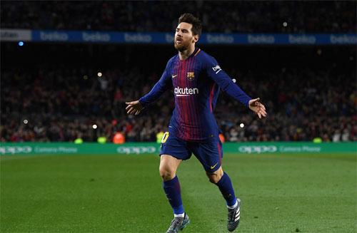 Messi sút phạt ghi thêm bàn quyết định, Barca tiếp tục bay cao ở La Liga