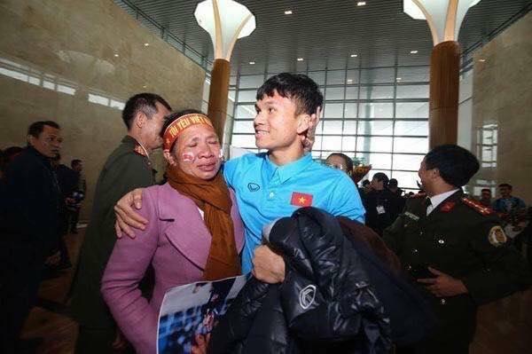 Lãnh đạo Nghệ An sẽ ra sân bay đón Văn Đức, Xuân Mạnh