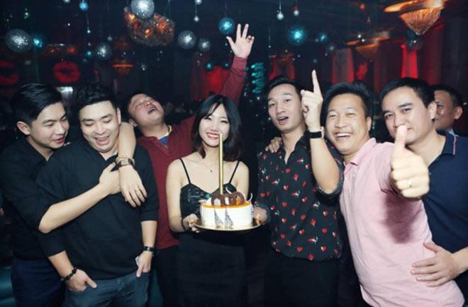 Xuân Bắc, Tự Long cùng dàn sao đến mừng sinh nhật MC Thành Trung