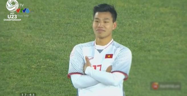 Dáng đứng cool ngầu của Vũ Văn Thanh vào đề thi chọn HSG Văn