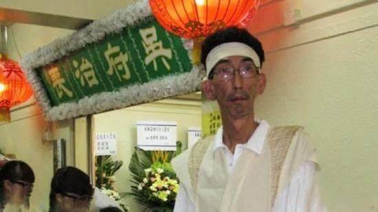 Sao Cbiz lỗi thời: Đường Tăng đi hát hội chợ kiếm tiền, Nhĩ Thái kéo fame bằng hình ảnh gây sốc
