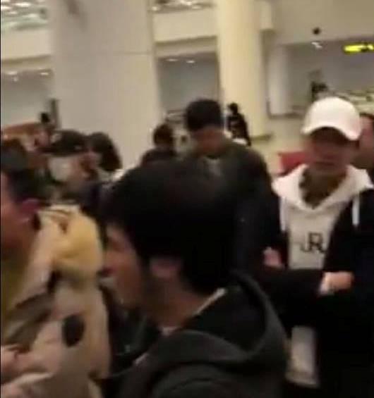 Vụ hơn 100 hành khách chuyến bay Jetstar từ Nhật về Hà Nội không nhận được hành lý do thời tiết xấu