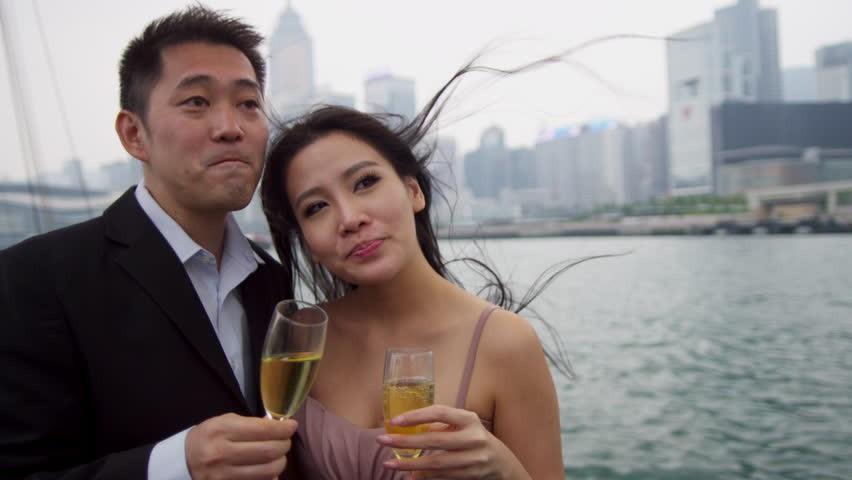 Nỗi lòng cay đắng của nhiều phụ nữ thừa thãi ở Hong Kong: 31 tuổi nhưng chưa biết hẹn hò là gì