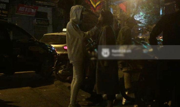 Clip độc quyền: Soobin Hoàng Sơn vô tư thể hiện tình cảm trên phố, vào cùng khách sạn với bạn gái tin đồn lúc 2h sáng