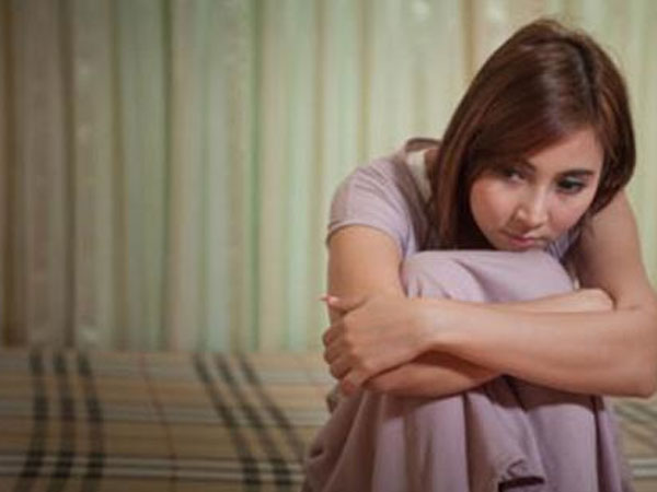 Tôi dọa ly hôn mà chồng vẫn lén qua lại với cô khác