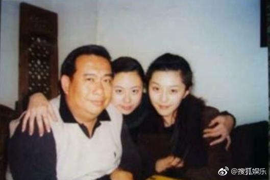 Triệu Vy - Phạm Băng Băng bị đồng nghiệp tiết lộ quá khứ đen tối với cần sa và cuộc sống buông thả?