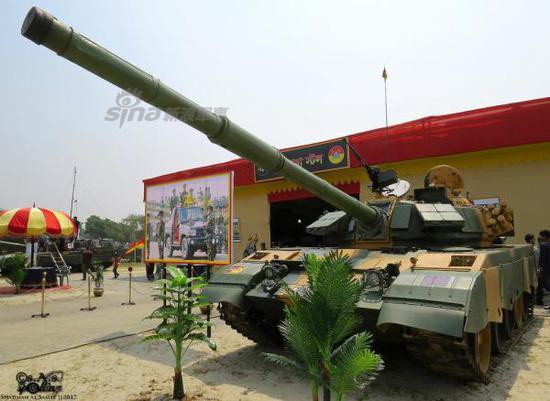Trung Quốc trúng lớn với hợp đồng xuất khẩu phiên bản T-54/55 mạnh nhất thế giới