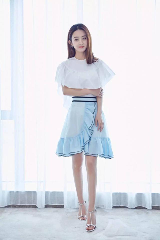 Mỹ nhân Hoa ngữ tiết lộ tuyệt chiêu ăn gian tuổi tác nhờ trang phục cực đơn giản!