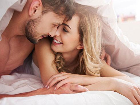 10 điều đàn ông nào cũng khao khát ở trên giường mà phụ nữ nhất định phải biết