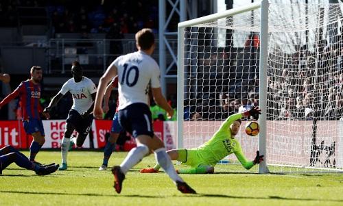 Kane ghi bàn duy nhất, Tottenham vượt Chelsea