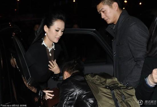 Sao Hoa ngữ danh tiếng đối xử với trợ lý: Người thân thiết như bạn bè, kẻ hành hạ, bắt cung phụng hệt người hầu