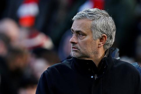 HLV Mourinho tiết lộ tương lai của Ibrahimovic