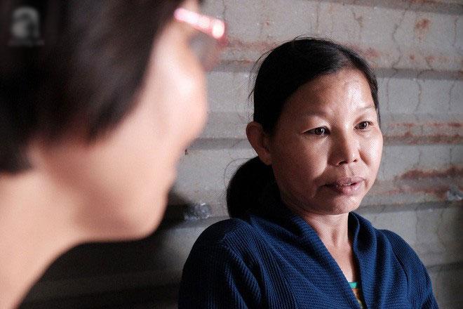 Người phụ nữ mù tự tìm đường đến bệnh viện nhờ bác sĩ lăn tay vào lá đơn hiến tạng cứu người