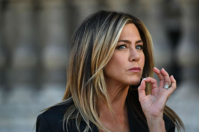 Jennifer Aniston trữ đông trứng, chỉ cần Brad Pitt làm bố của con mình