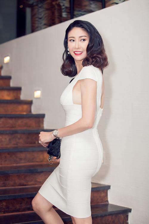 Hà Kiều Anh - Hoa hậu 3 con có cuộc sống giàu sang, hạnh phúc đáng ngưỡng mộ