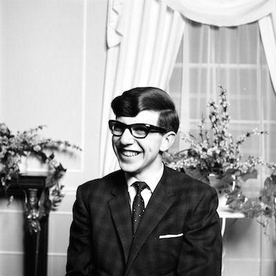 Stephen Hawking với 2 cuộc hôn nhân trái ngược, nhiều kịch tính và điều còn lại sau cùng hơn cả tình yêu